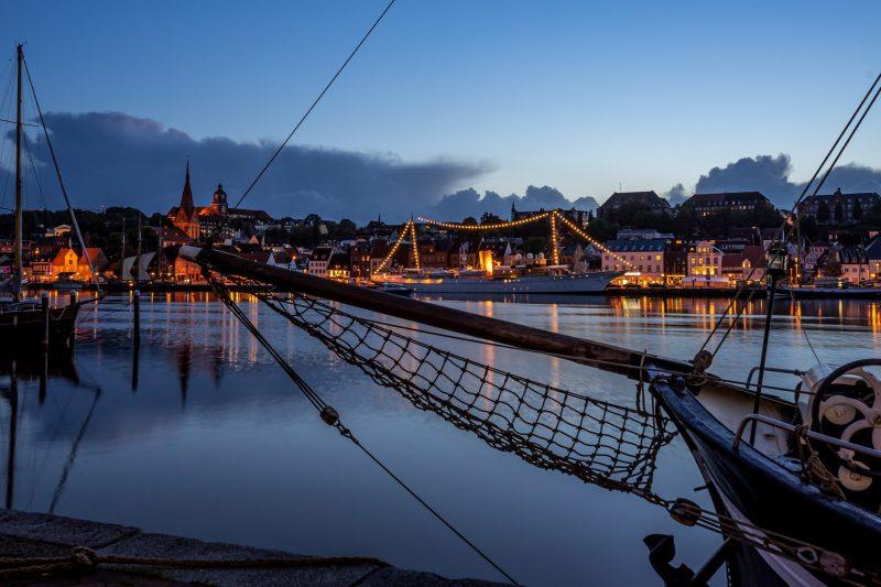 Königliche Yacht Daneborg im Hafen von Flensburg