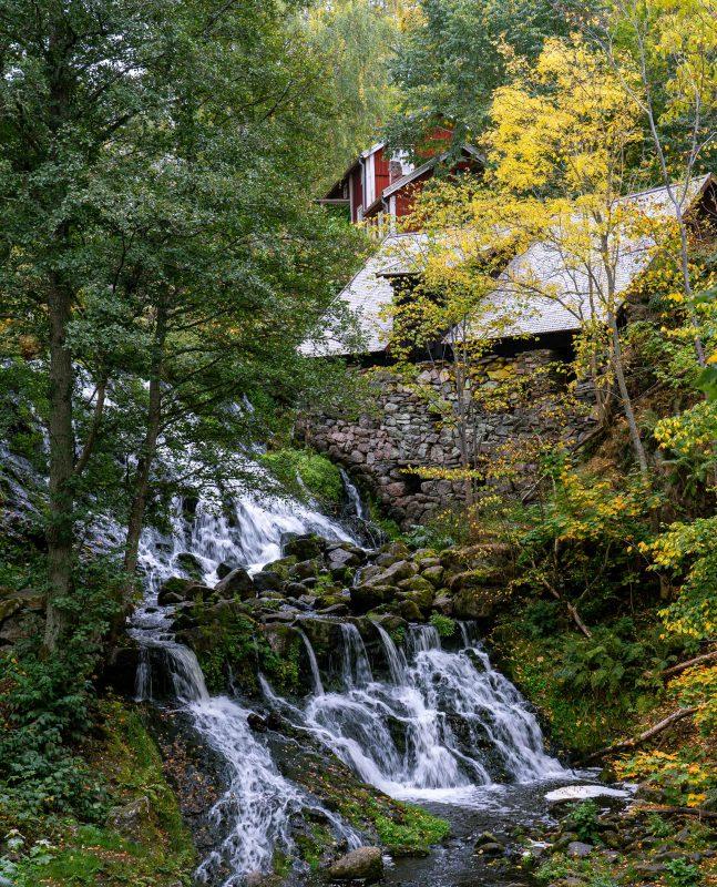 Wasserfall an der alten Wassermühle, Röttle By